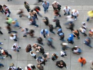 busy-sidewalk